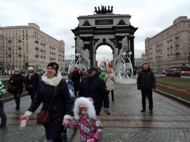 поклонная гора 2018 москва новый год