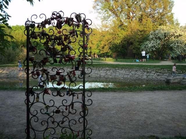 парк коломенское яблоневый сад