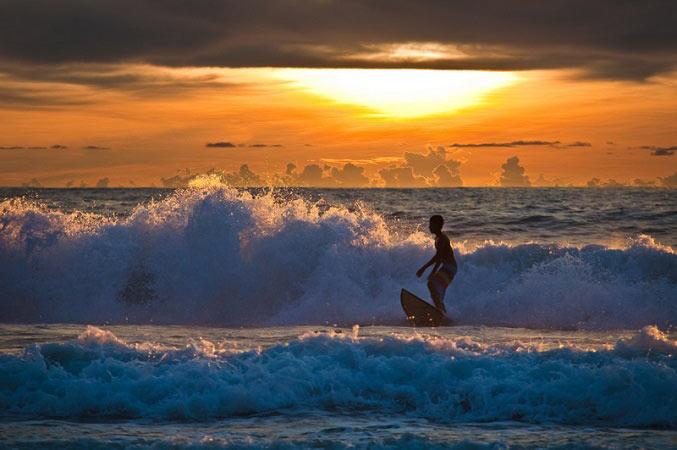 в море по волнам
