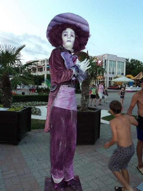 ожившая статуя