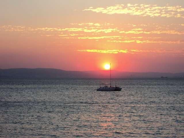 золотой вечерний закат