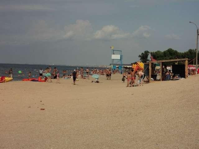 ракушечный пляж на азовском море