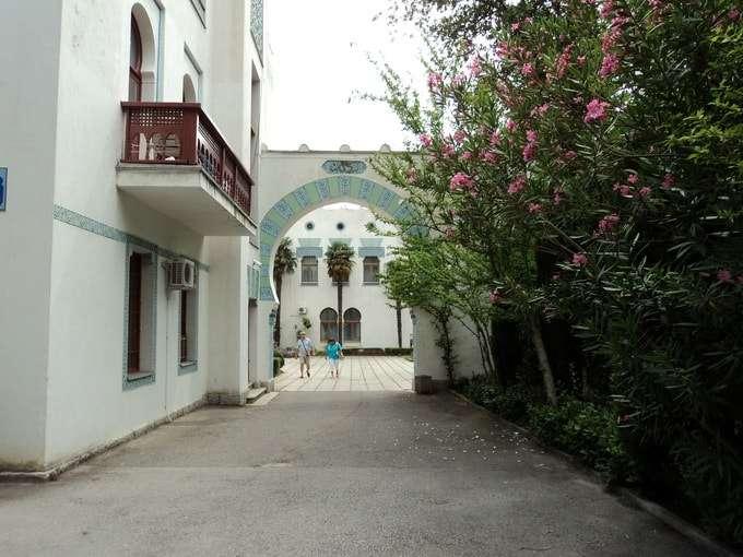 дюльбер в мавританском стиле