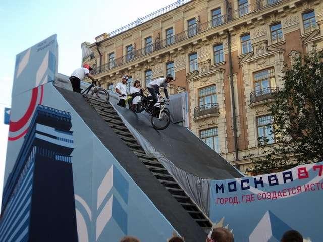 велосипедное шоу на тверской