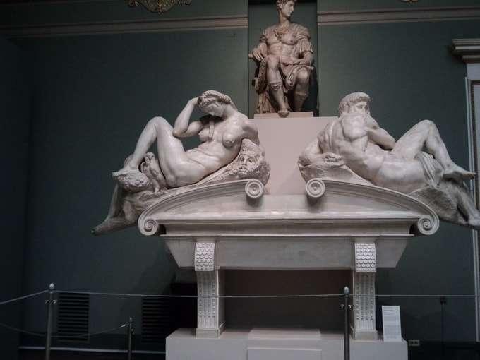 скульптура микеланджело буанарроти