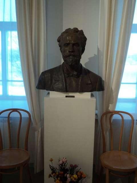 скульптурный портрет художника