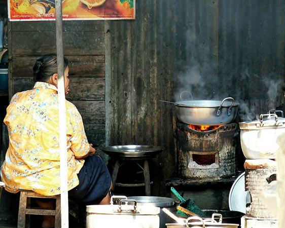 приготовление уличной еды