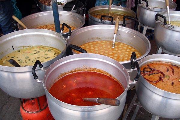 блюда на рынке