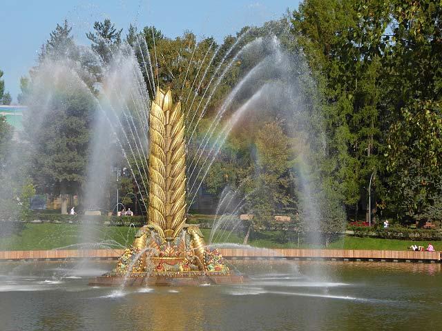 фонтан колос на вднх